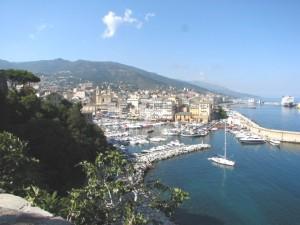 Vue du vieux port depuis la citadelle de Bastia